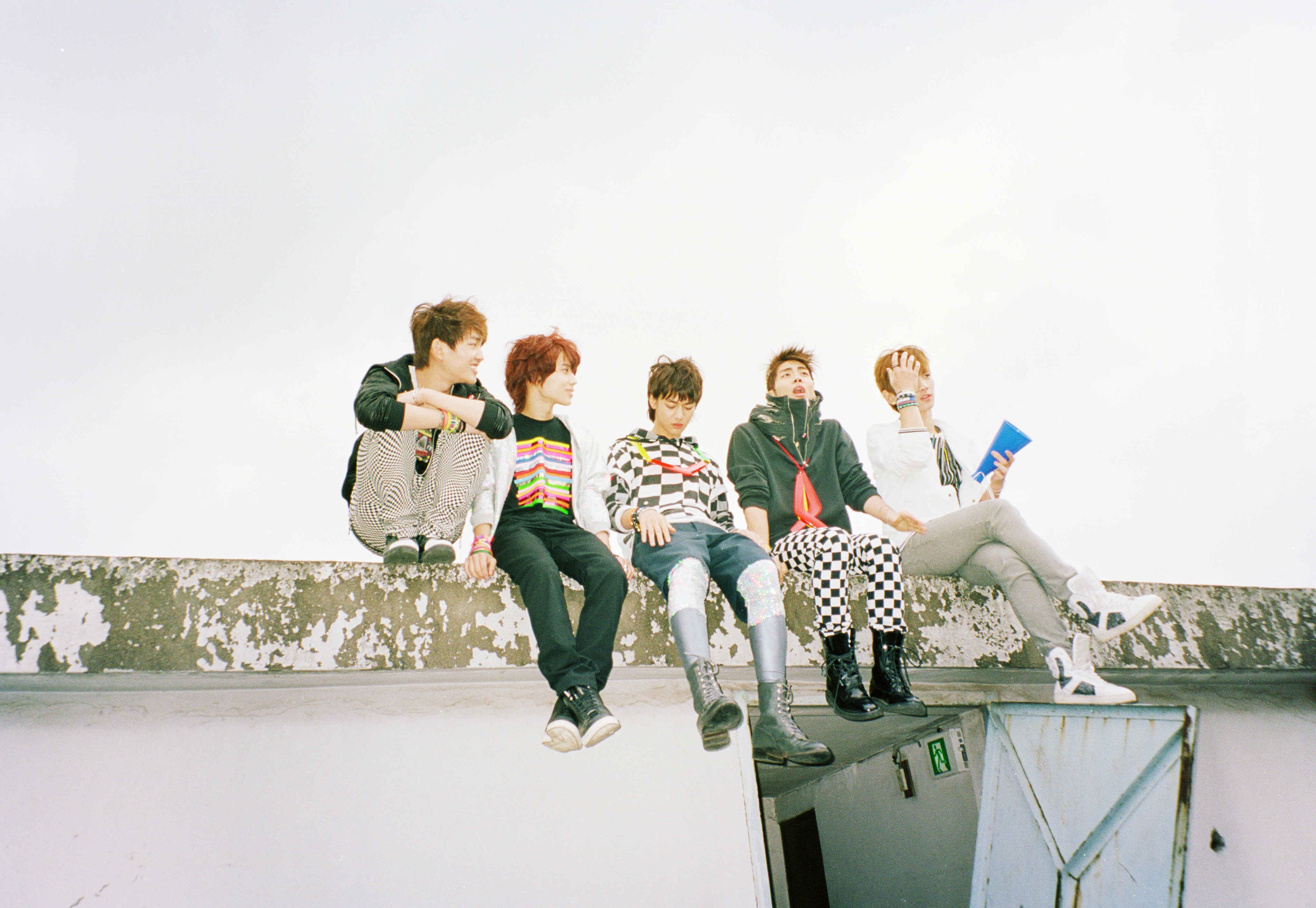 DOWNLOAD LINK] [AUDIO + SCAN PHOTOBOOK] SHINee – The 2nd